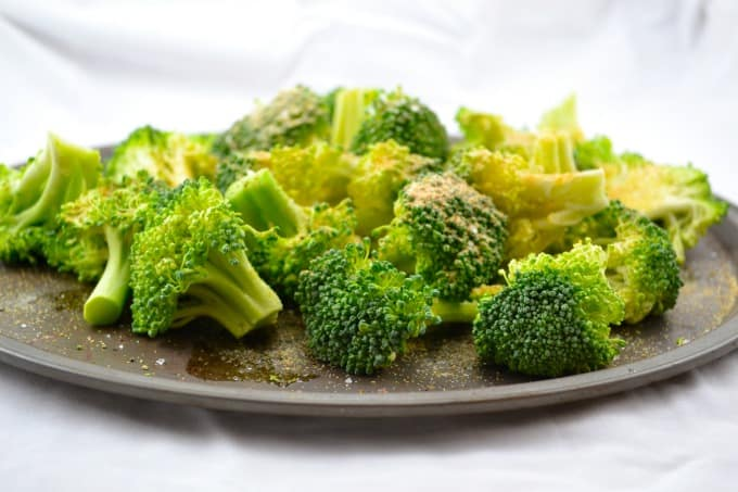 roasted-garlic-broccoli-1