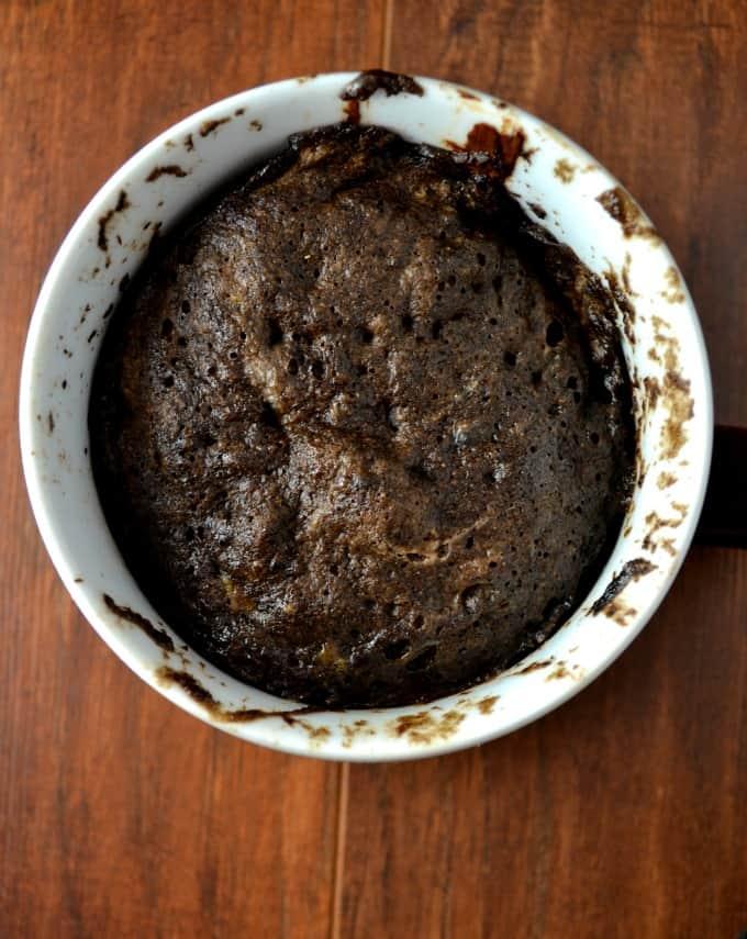 gluten-free-chocolate-peanutbutter-mug-cake-2