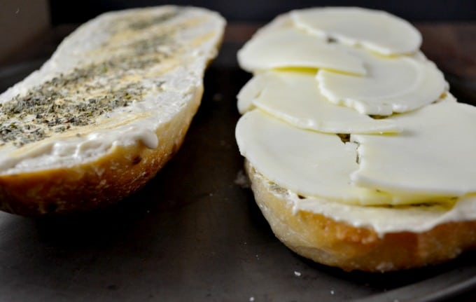 cheesy-baked-garlic-bread-loaf-3