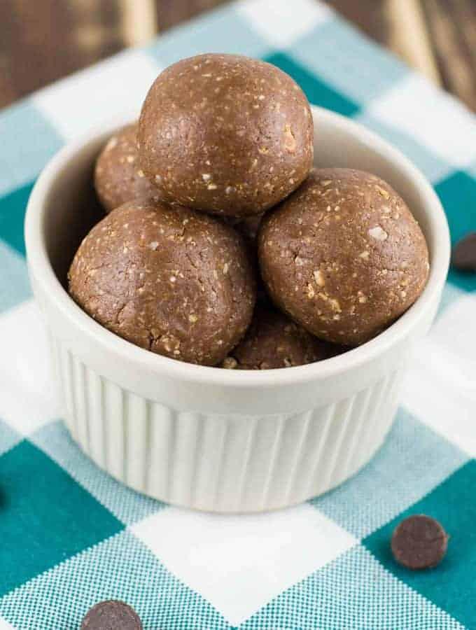 Chocolate Peanutbutter Protein Balls