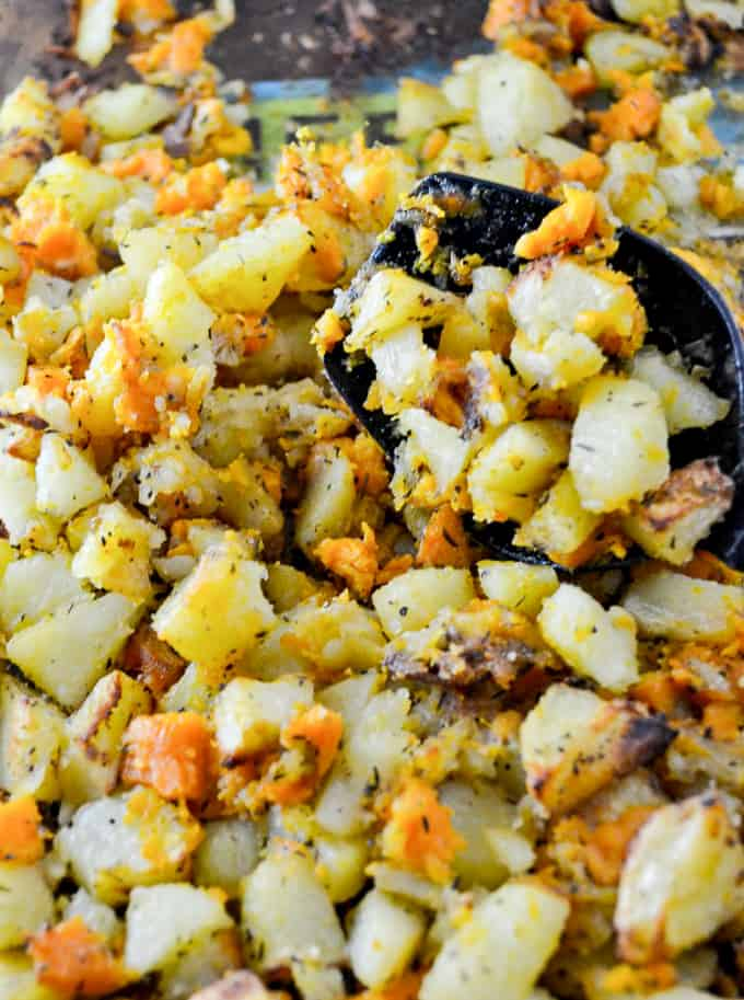 simple vegan breakfast hash - recipe via @buildyourbite