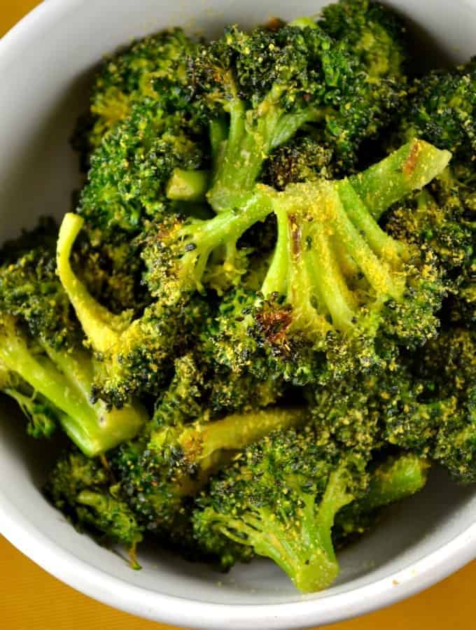 The Best Cheesy Vegan Broccoli