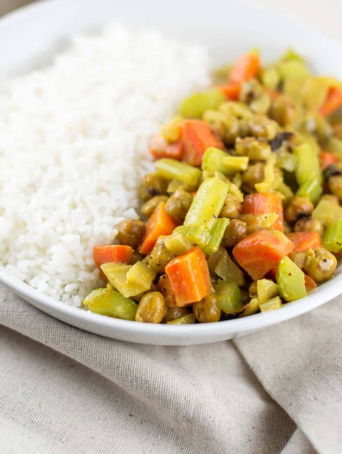 VEGAN COCONUT CURRY BOWLS