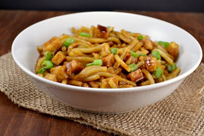 Garlic tofu noodle bowls build your bite today im sharing one of my comfort food recipes for me comfort food is anything warm and delicious and filling every sunday growing up my dad would buy forumfinder Gallery