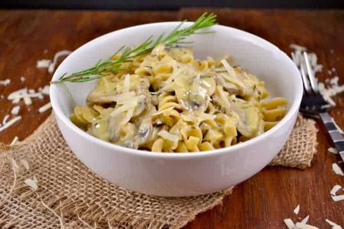 Homemade-rosemary-and-garlic-white-wine-sauce-4