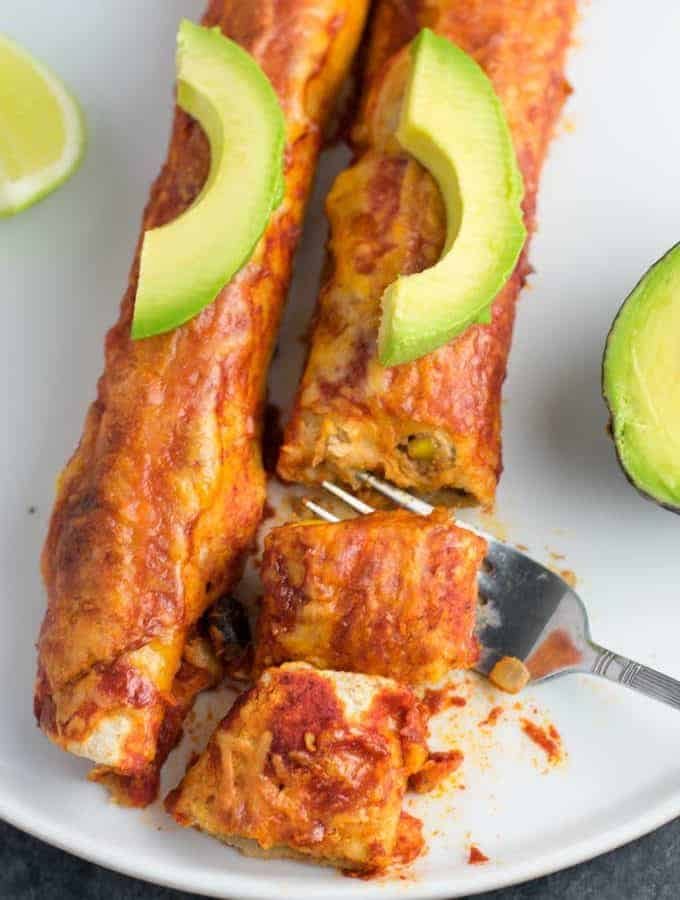 These best ever veggie enchiladas are insanely good! Even meat eaters can't resist these! #vegetarian #enchiladas #veggieenchiladas #vegetarianenchiladas