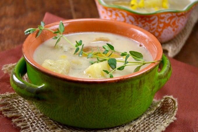 slow cooker vegetarian corn chowder