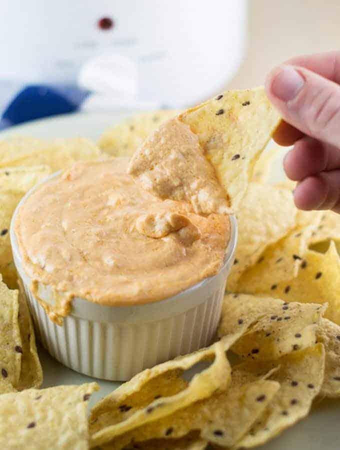 creamy queso cheese dip