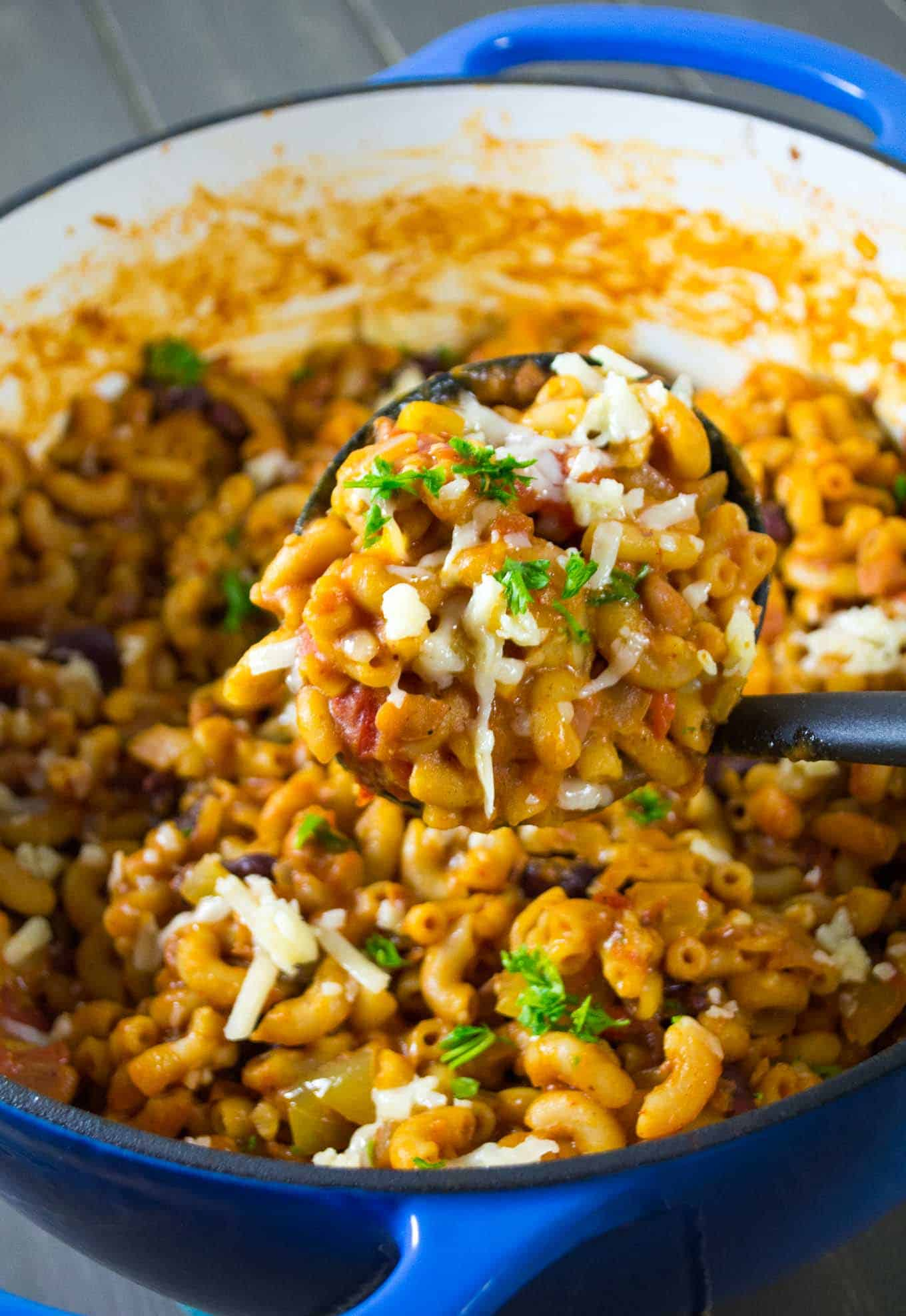 one pot vegetarian chili mac