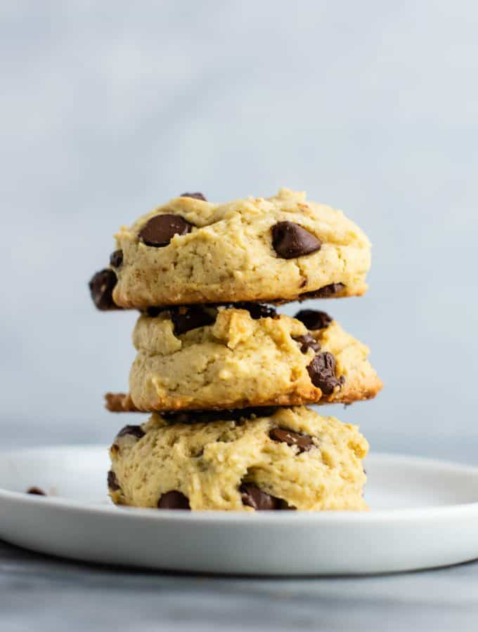 The best chewy chocolate chip cookies made with applesauce. Soft and fluffy even after they are cooled! #chocolatechipcookies #chewy #dessert #applesauce