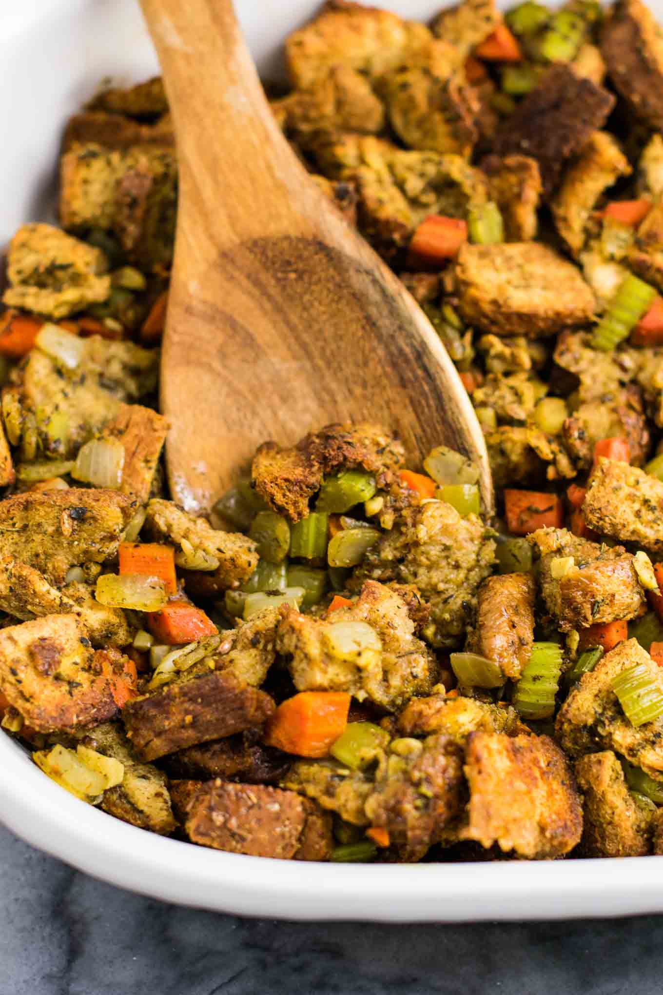 Vegan gluten free stuffing - #vegan #stuffing #thanksgiving #veganrecipe #vegetarian #thanksgivingstuffing #glutenfree
