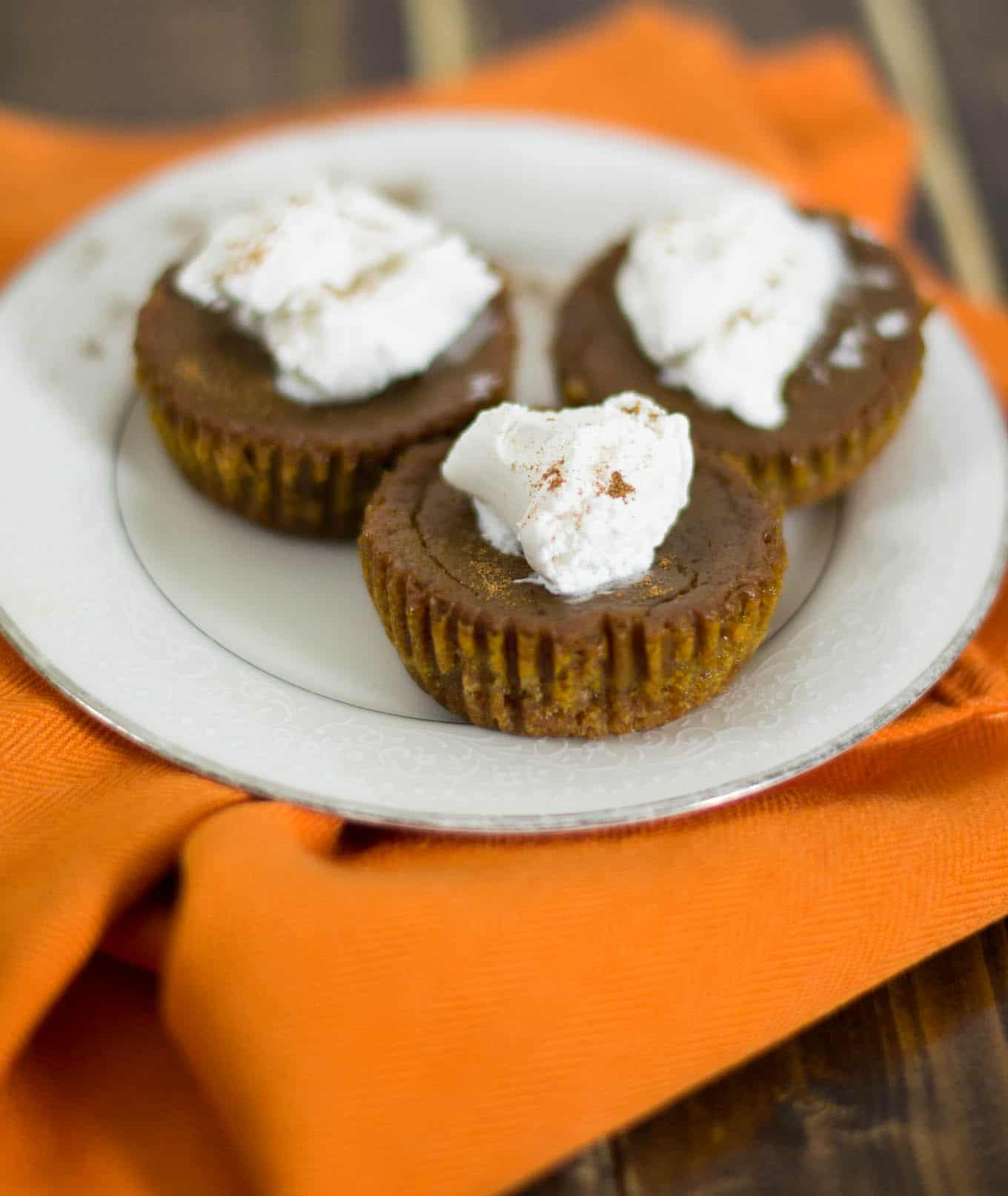 mini vegan pumpkin pies with homemade graham cracker crust
