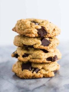the BEST homemade chocolate chunk cookies! #cookies #chocolatechunk #desserts #dairyfree #wholewheat