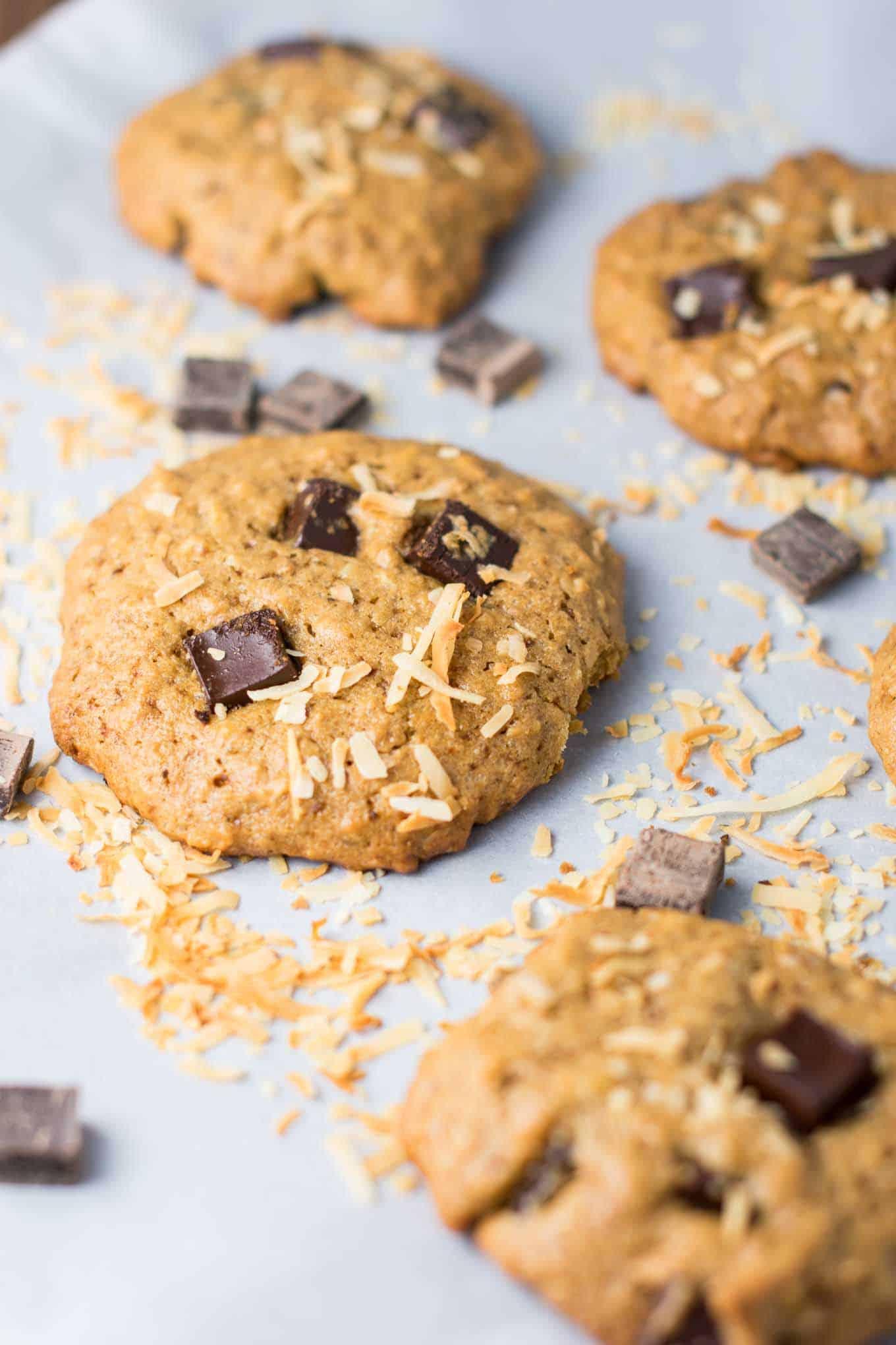 Toasted coconut chocolate chunk cookies – recipe via @buildyourbite