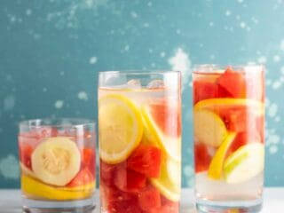 Watermelon detox water recipe with cucumbers and lemon #detoxwater #watermelon #watermelondetox #watermelonwater #vegan #drinks #healthy