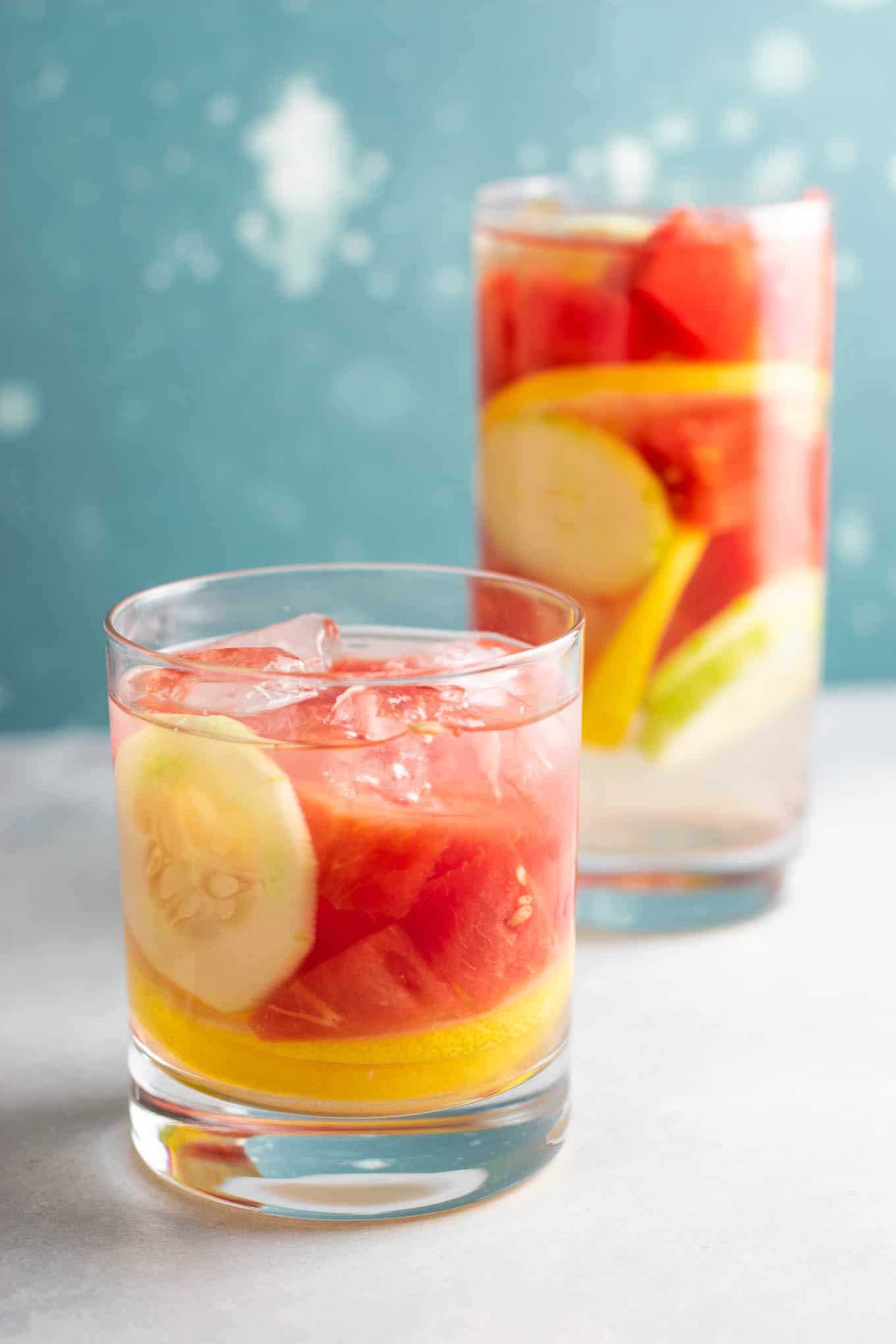 How to make watermelon water with cucumbers and lemon #detoxwater #watermelon #watermelondetox #watermelonwater #vegan #drinks #healthy