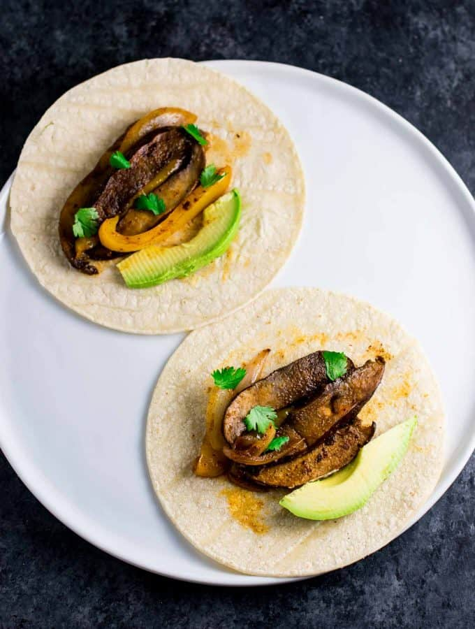 30 minute vegan portobello fajitas recipe - this is SO good!