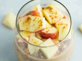 This Apple Cinnamon Overnight Oats recipe made in less than 5 minutes and naturally gluten free, dairy free, and vegan.