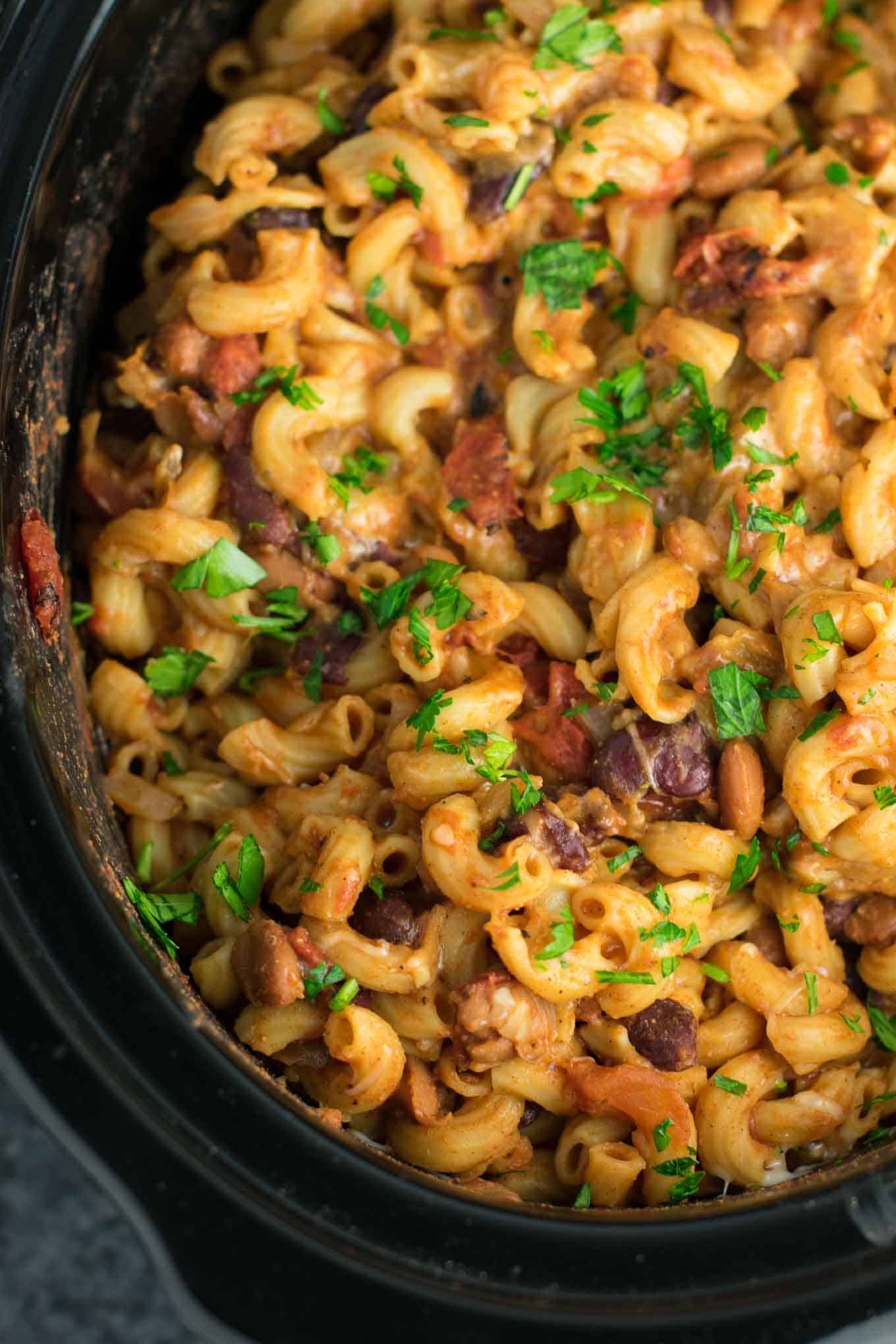 slow cooker vegetarian chili mac
