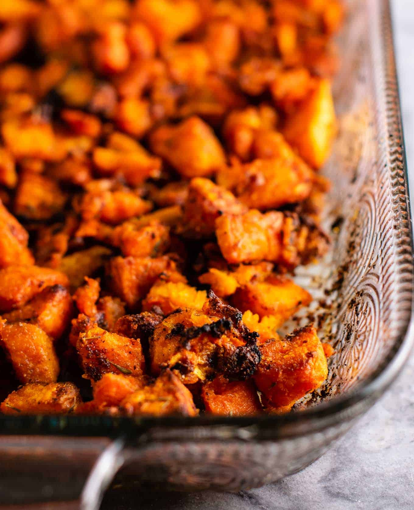 Sweet potato hash paleo recipe - with caramelized garlic and onion. So much flavor - this is perfect for breakfast! #sweetpotatohash #sweetpotato #veganbreakfast #vegan #breakfasthash #glutenfree #dairyfree #vegetarian