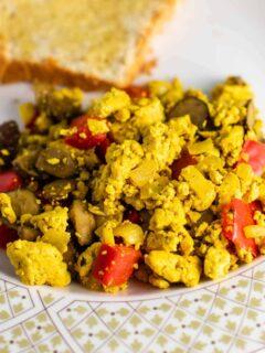 how to make tofu scramble #vegan #breakfast #tofu