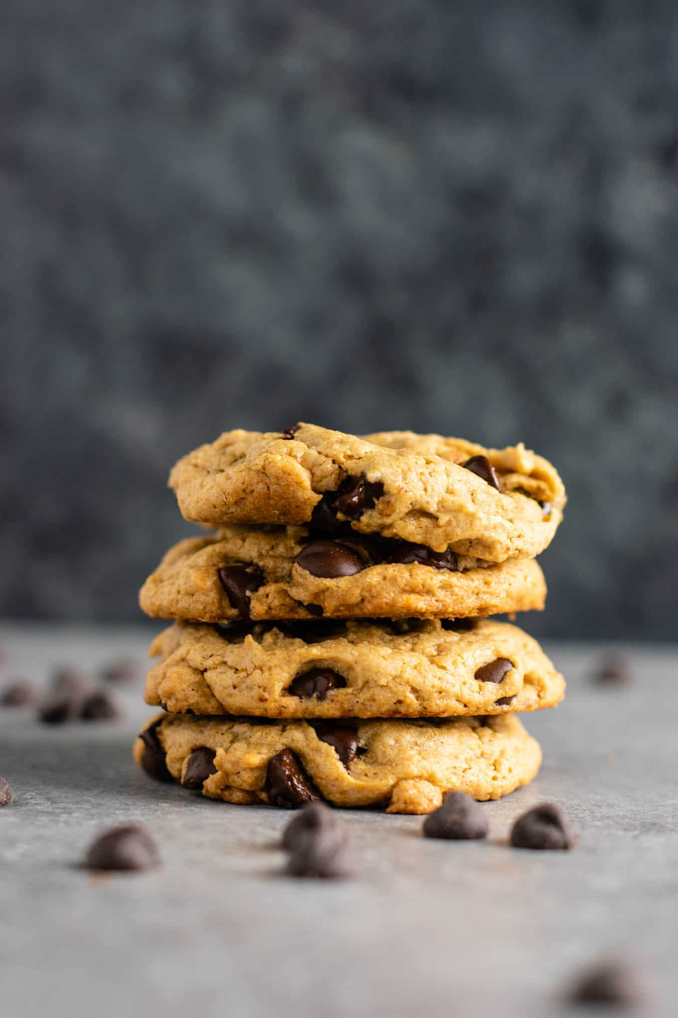 The best vegan chocolate chip cookies recipe - so chewy and rich, you would never guess they don't have any eggs or dairy in them! #vegan #chocolatechipcookies #dessert #dairyfree #eggless #cookies #healthy