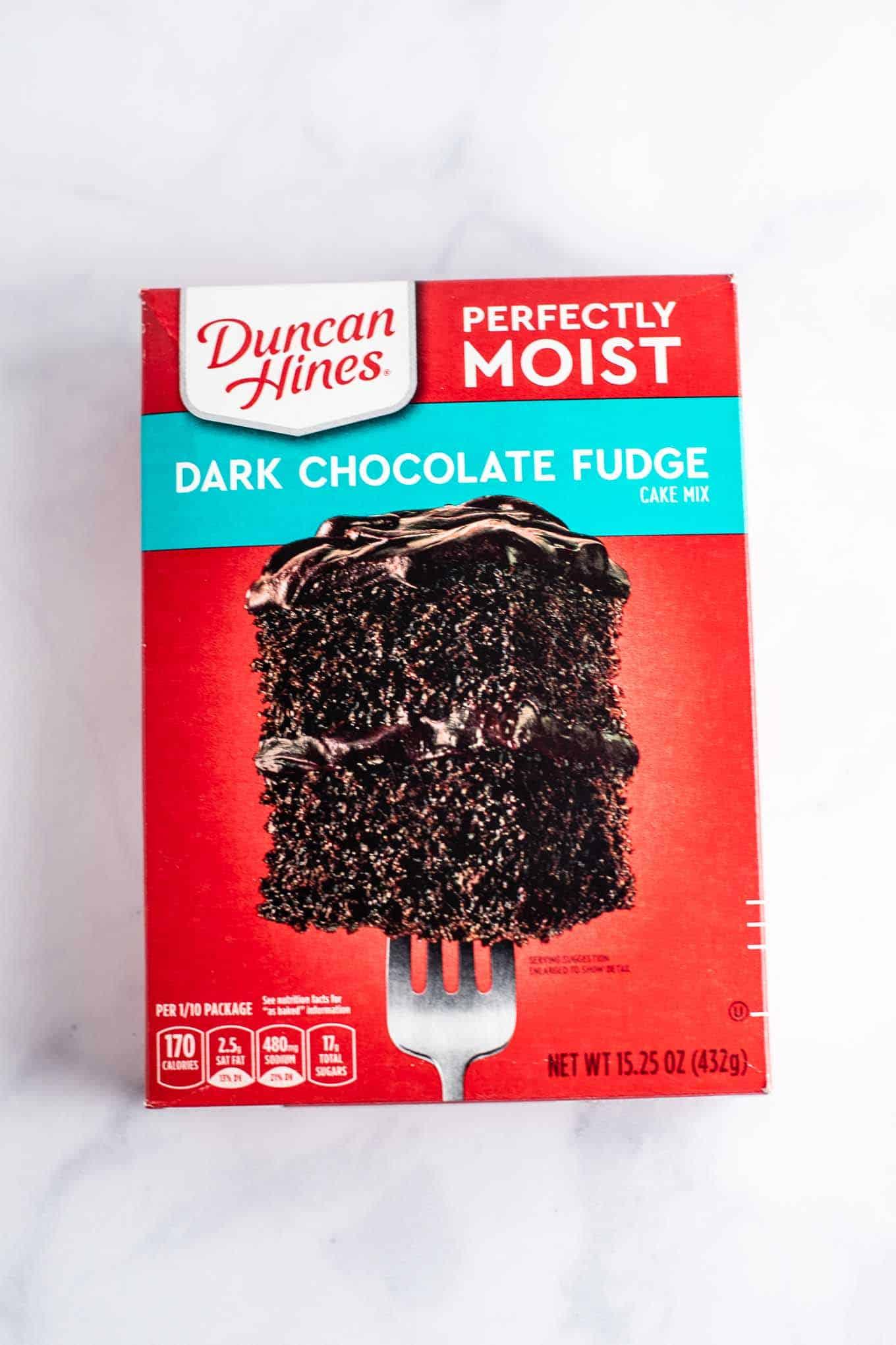 duncan hines dark chocolate fudge cake mix box