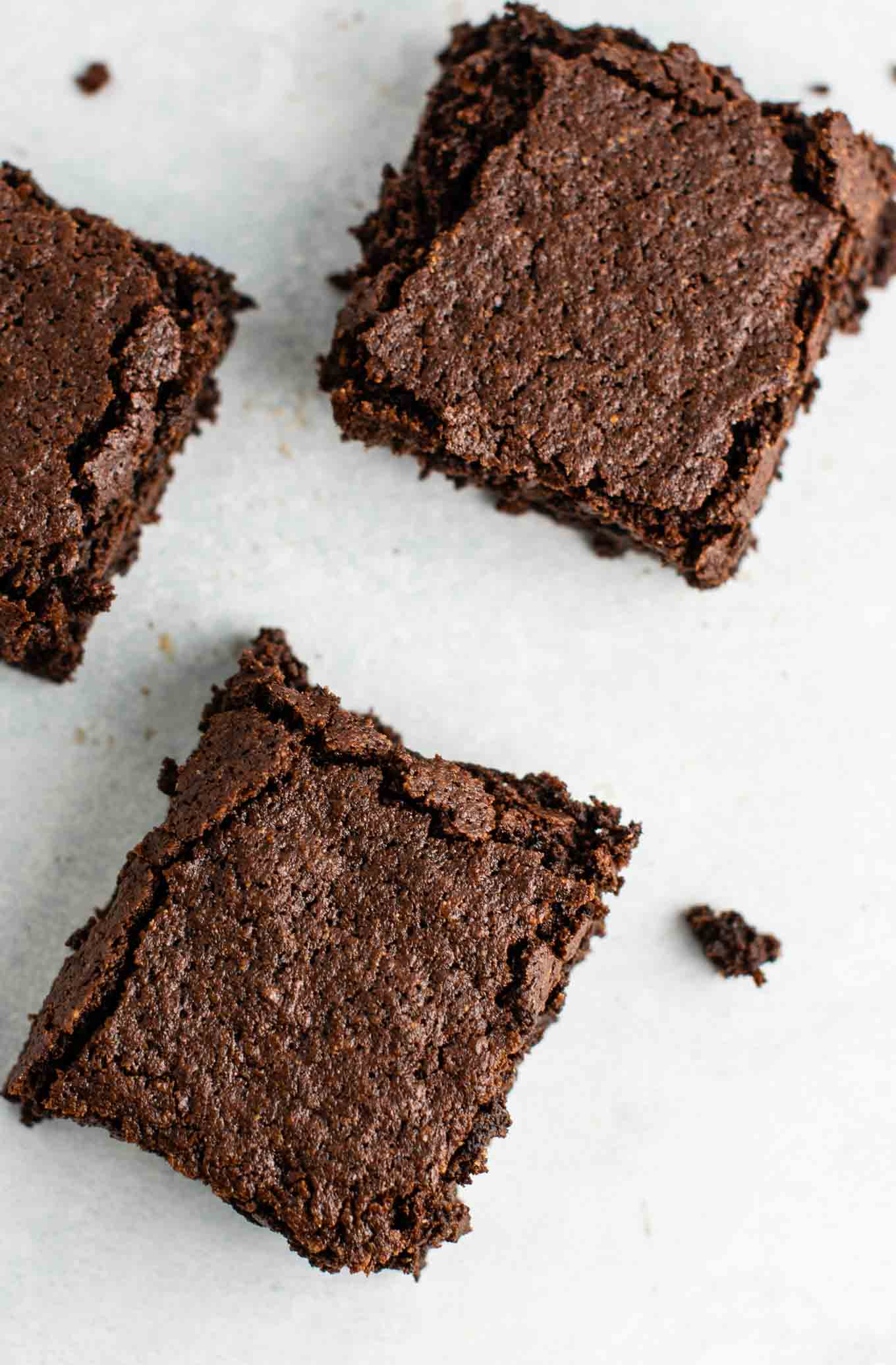 Easy gluten free dairy free brownies made with oat flour and coconut flour. Fudgy, and taste amazing! #glutenfreebrownies #glutenfree #glutenfreedessert #dessert #brownies #oatflour #coconutflour