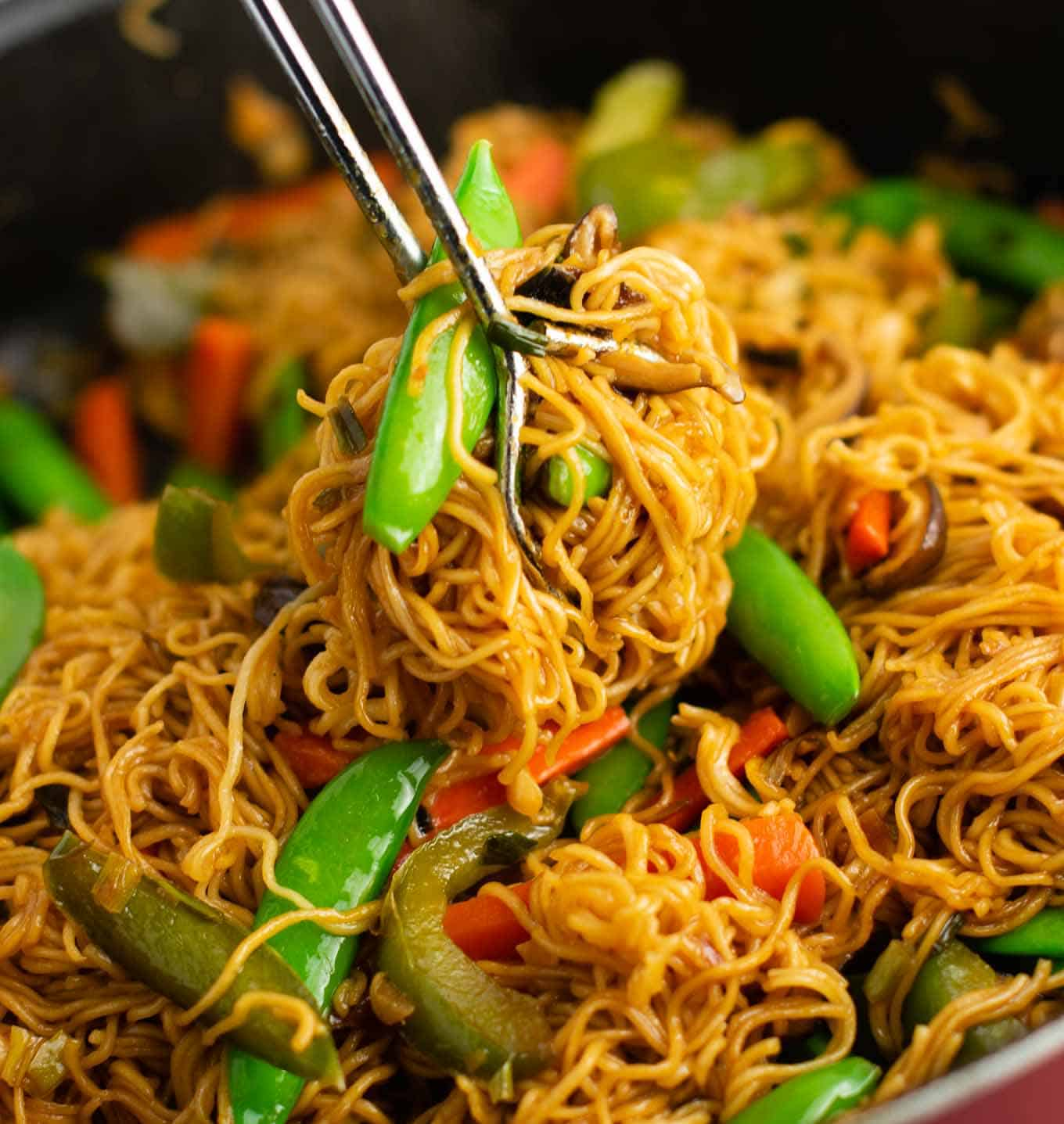 ramen noodles with sugar snap peas, carrots, and bell pepper