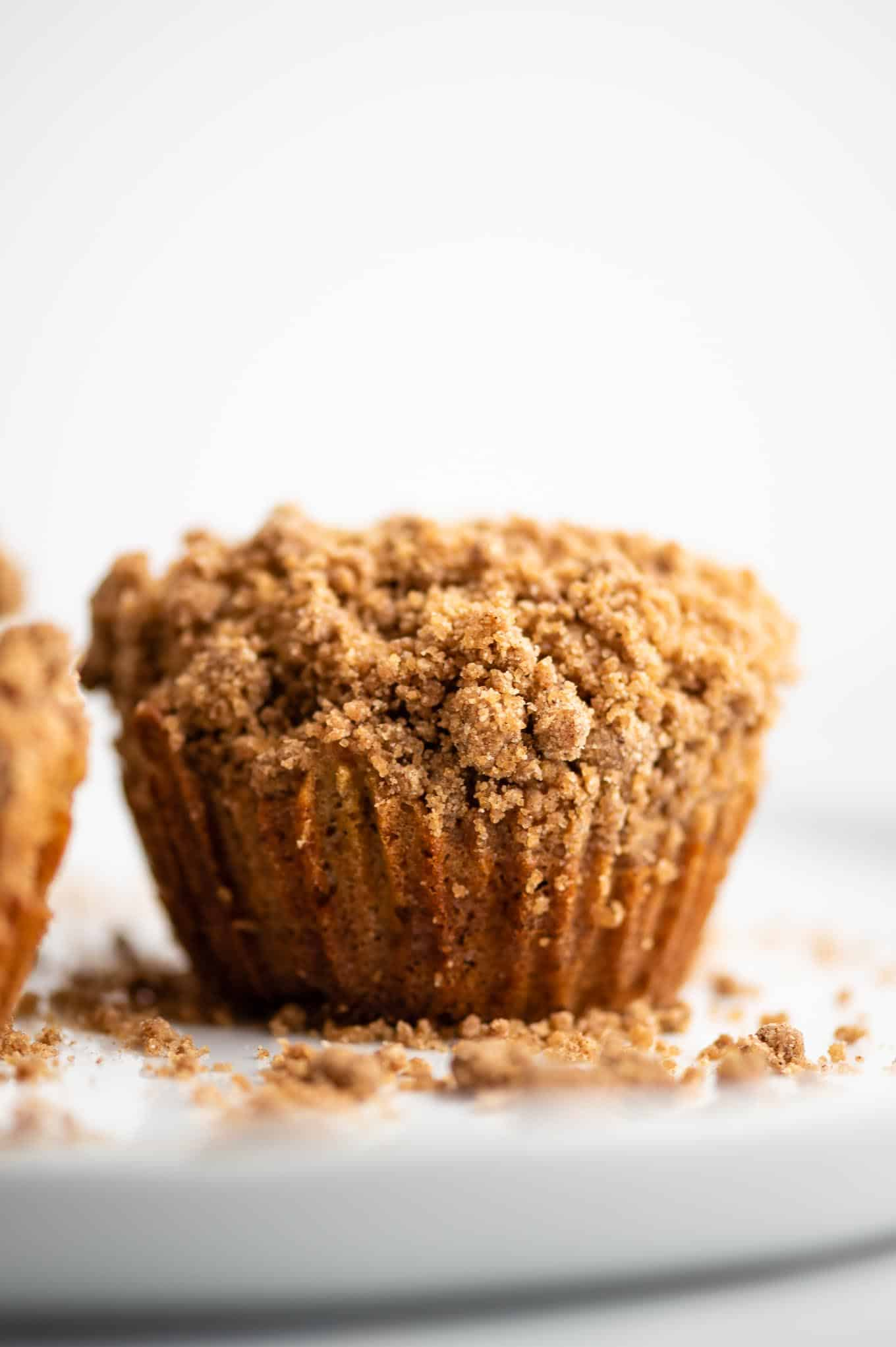 cinnamon apple muffins with streusel topping