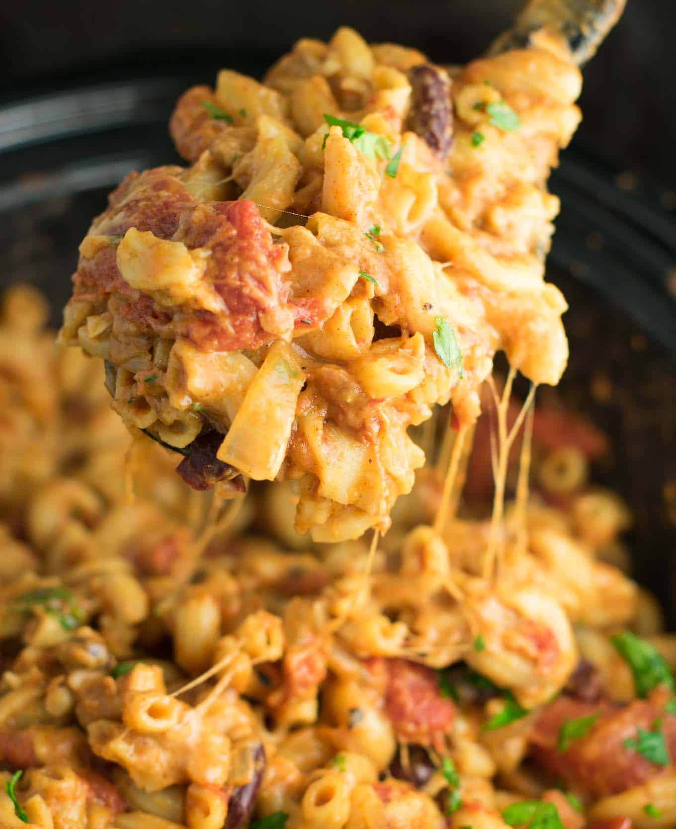 easy vegetarian slow cooker chili with macaroni
