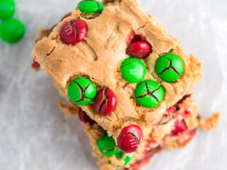 christmas cookie bars with m&ms