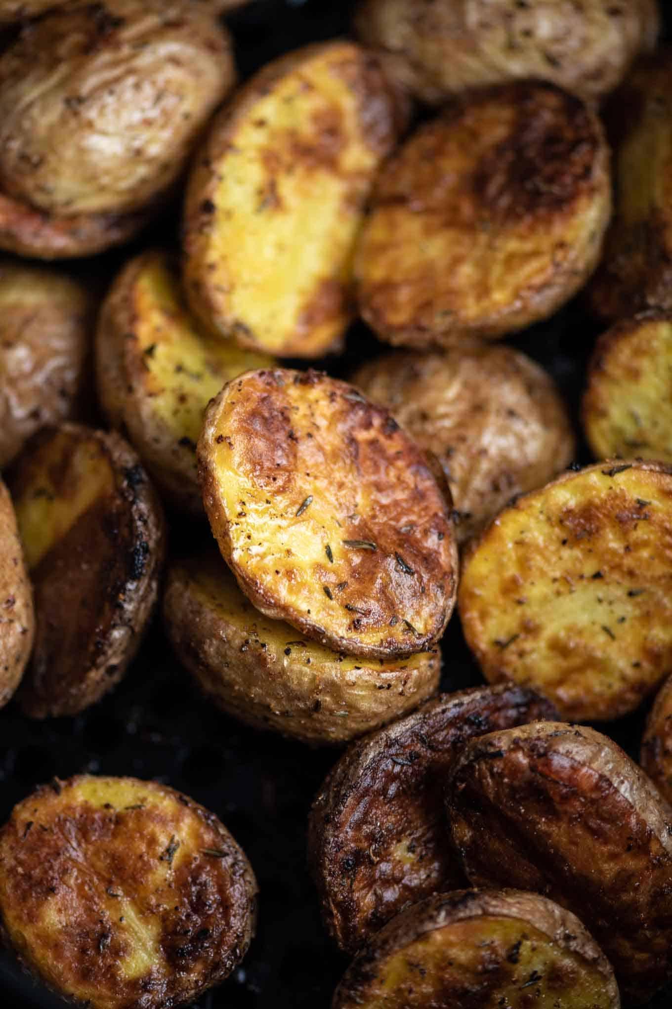 air fryer baby potatoes up close image