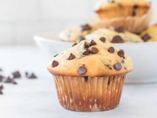 greek yogurt chocolate chip muffin