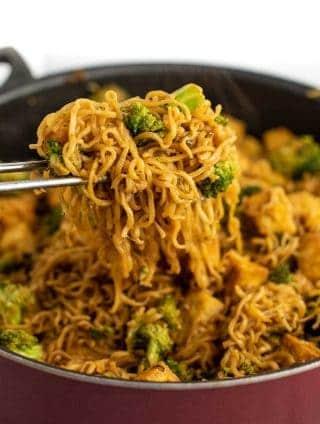 broccoli and tofu ramen noodles