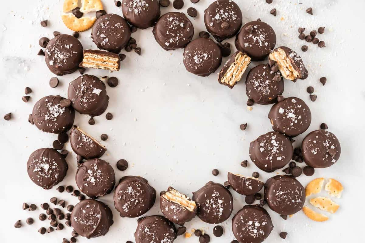 ritz cookies arranged in a circle