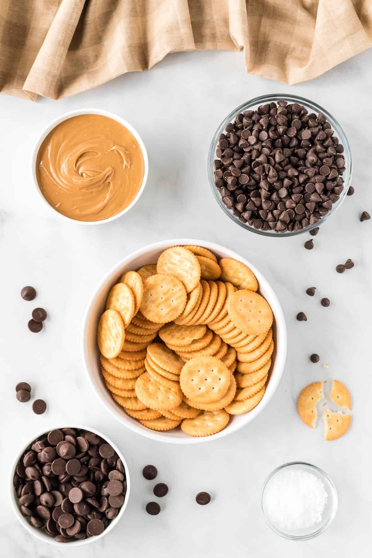 ingredients to make ritz cracker cookies