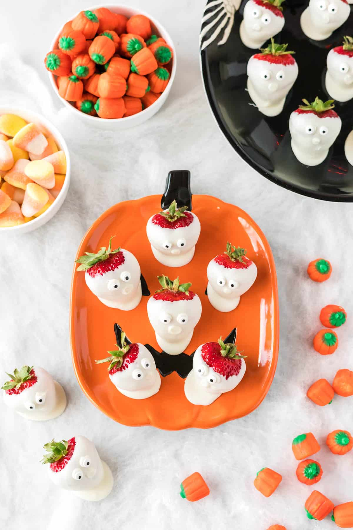 strawberry ghosts on hallloween plates