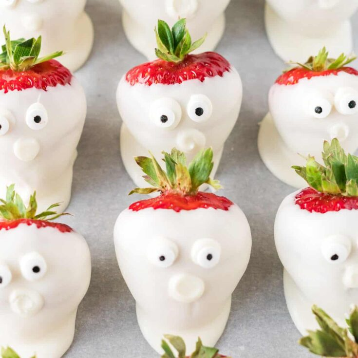 chocolate dipped strawberry ghosts for halloween