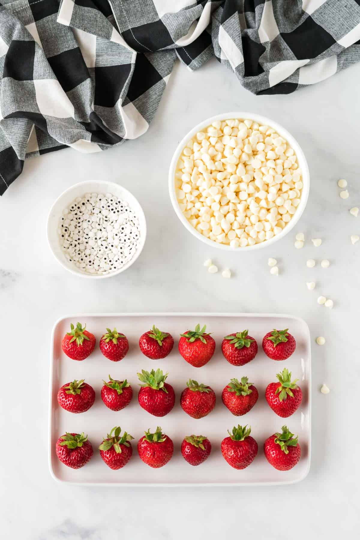 ingredients to make strawberry ghosts