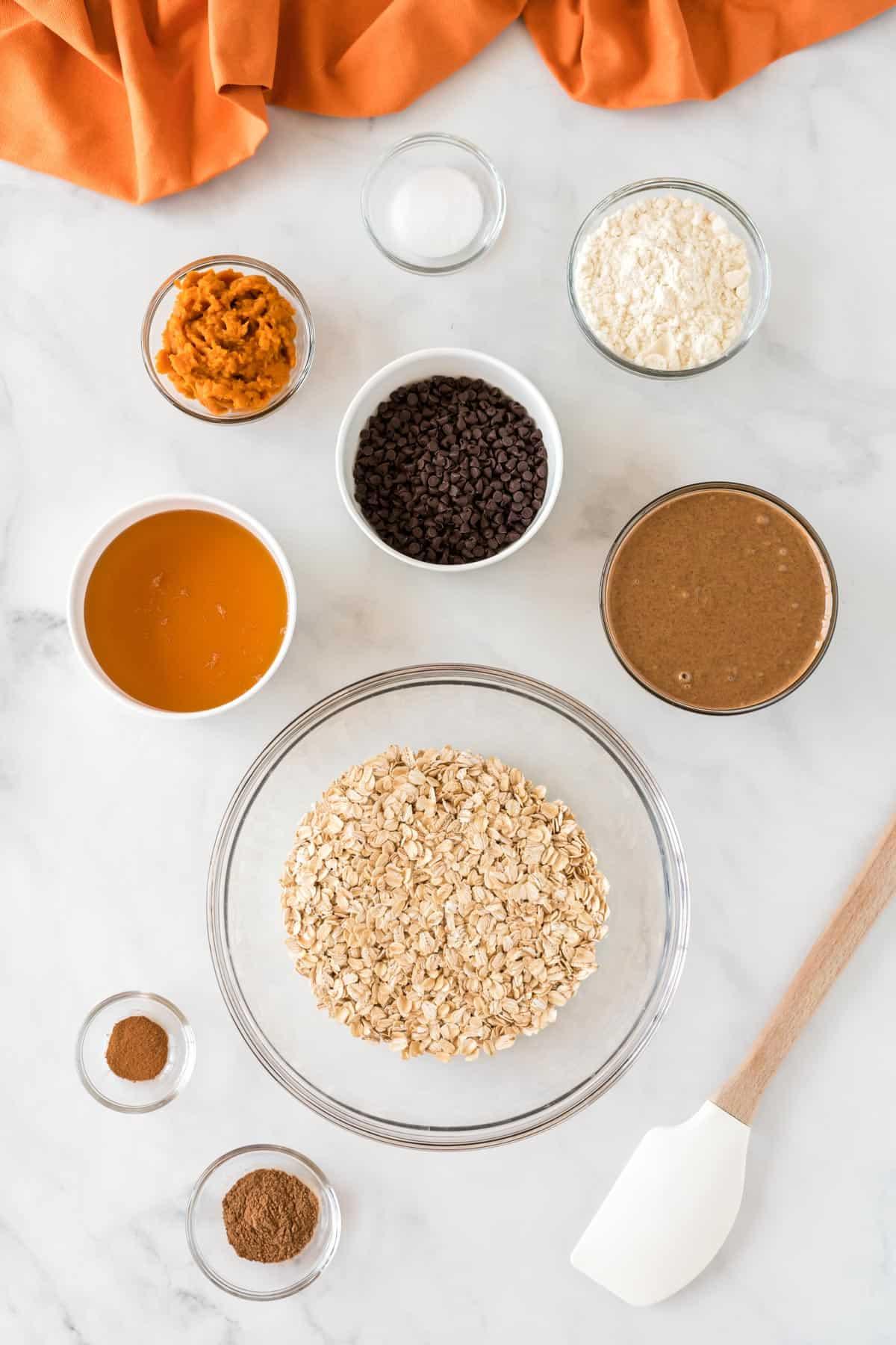 ingredients to make pumpkin energy balls